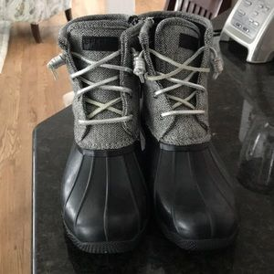 black and white sperry duck boots